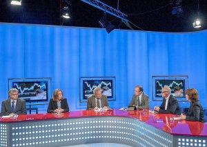 Sant Just Desvern . Converses Banc Sabadell, amb Alfred Pastor (Iese), Joaquim Coello (enginyer), José García Montalvo (UPF), Elisenda Paluzie (UB) i Sofía Rodríguez (Banc Sabadell). Als estudis d'El Punt Avui Televisió
